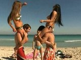 Porno Film Orgia na plaży Obciąganie