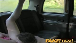 Super lesbijki w taksówce